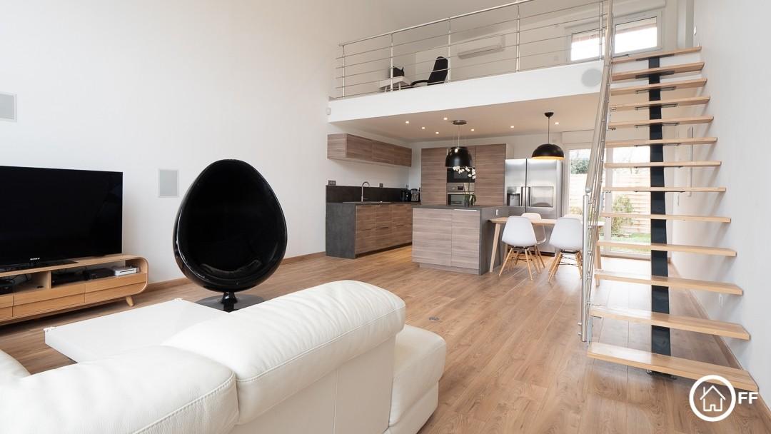 L'immobilier OFF - Ferme-rénovée à vendre Genas