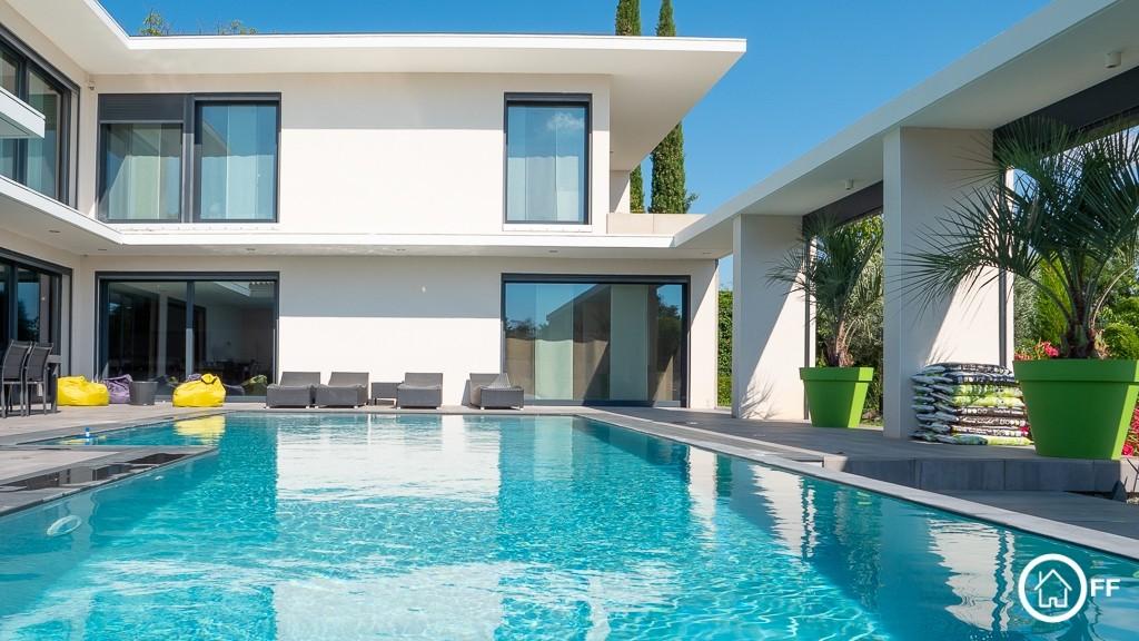 L'immobilier OFF - Maison prestige à vendre Chassieu le Haut